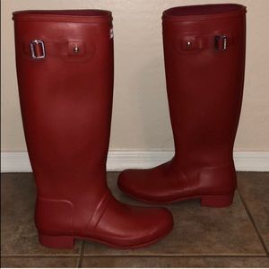 Hunter Tour Red Boots Size 8